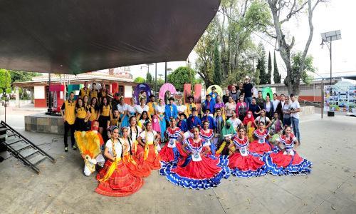 Grupo Proyección Folklorica costarricense COFEA y Raíces Puriscaleñas