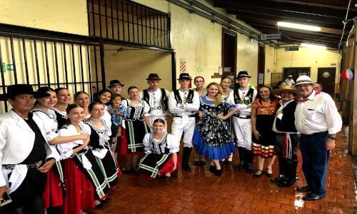 VI Festival Internacional de Folclore de las Flores y el Café
